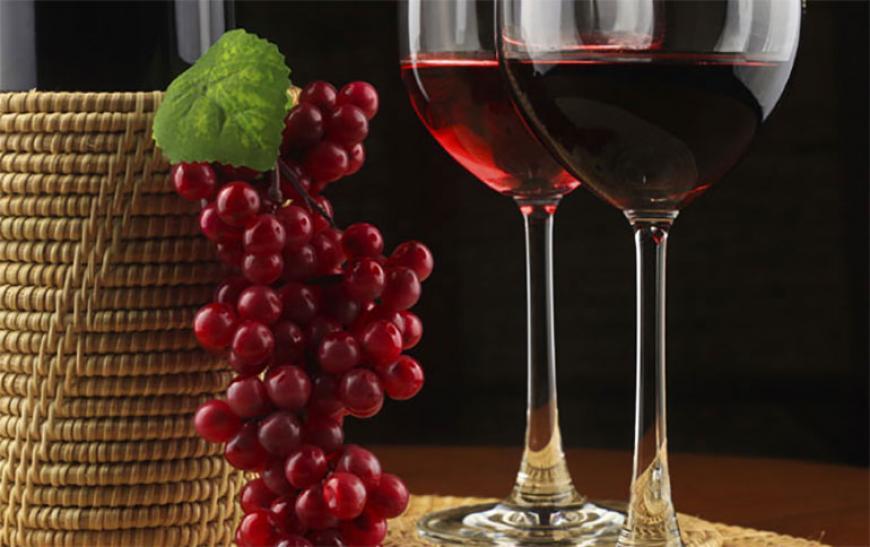 Несколько фактов о пользе красного вина - фото